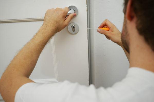 servicios profesionales de cerrajeros Madrid
